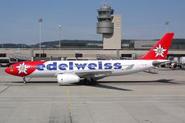 Hariboさんが、チューリッヒ空港で撮影したエーデルワイス航空 A330-243の航空フォト(写真)