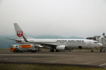Wasawasa-isaoさんが、南紀白浜空港で撮影した日本航空 737-846の航空フォト(写真)