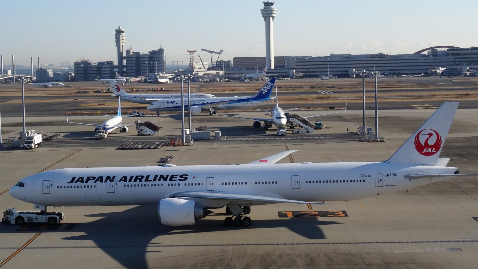 westtowerさんの日本航空 Boeing 777-300 (JA738J) 航空フォト