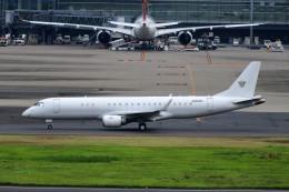 kamerajiijiさんが、羽田空港で撮影したアメリカ個人所有 ERJ-190-100 ECJ (Lineage 1000)の航空フォト(飛行機 写真・画像)