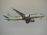commet7575さんが、福岡空港で撮影した大韓航空 BD-500-1A11 CSeries CS300の航空フォト(写真)