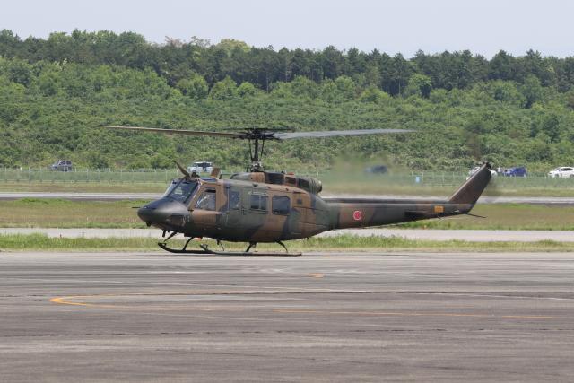 ショウさんが、高遊原分屯地で撮影した陸上自衛隊 UH-1Jの航空フォト(飛行機 写真・画像)