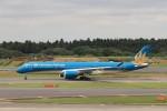 KAZFLYERさんが、成田国際空港で撮影したベトナム航空 A350-941XWBの航空フォト(写真)