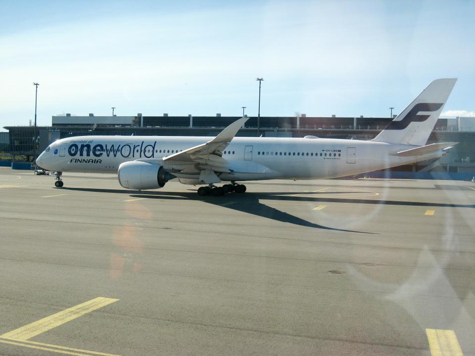 南国の防人さんのフィンエアー Airbus A350-900 (OH-LWB) 航空フォト