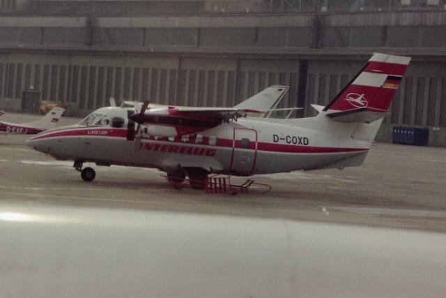 ヒロリンさんが、ベルリン・テムペルホーフ空港で撮影したインターフルーク L-410UVP Turboletの航空フォト(飛行機 写真・画像)