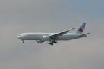 小弦さんが、バンクーバー国際空港で撮影したエア・カナダ 777-233/LRの航空フォト(写真)