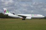 BTYUTAさんが、アムステルダム・スキポール国際空港で撮影したワモス・エア A330-243の航空フォト(写真)
