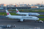 Koenig117さんが、羽田空港で撮影した日本航空 777-289の航空フォト(写真)