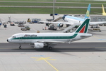 matsuさんが、フランクフルト国際空港で撮影したアリタリア航空 A319-112の航空フォト(飛行機 写真・画像)