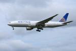 mojioさんが、成田国際空港で撮影したユナイテッド航空 777-222/ERの航空フォト(写真)