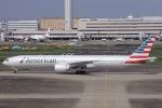 ぐっちーさんが、羽田空港で撮影したアメリカン航空 777-323/ERの航空フォト(写真)