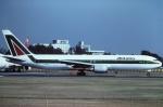 tassさんが、成田国際空港で撮影したアリタリア航空 767-33A/ERの航空フォト(写真)