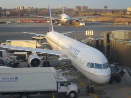 Hiro-hiroさんが、ニューアーク・リバティー国際空港で撮影したユナイテッド航空 757-200の航空フォト(飛行機 写真・画像)
