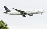 うみBOSEさんが、新千歳空港で撮影した全日空 777-281の航空フォト(写真)
