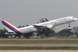 Hariboさんが、ドンムアン空港で撮影したロイヤル・ネパール航空 757-2F8Cの航空フォト(飛行機 写真・画像)
