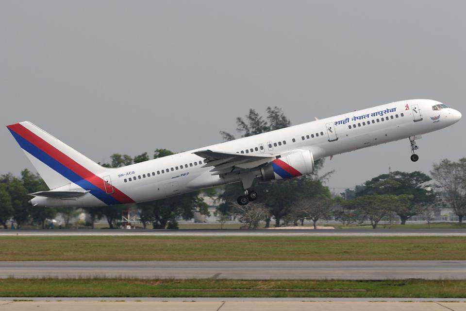 Hariboさんのロイヤル・ネパール航空 Boeing 757-200 (9N-ACB) 航空フォト