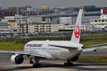 うめたろうさんが、福岡空港で撮影した日本航空 777-289の航空フォト(写真)