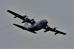 T.Sazenさんが、伊丹空港で撮影した航空自衛隊 C-130H Herculesの航空フォト(飛行機 写真・画像)
