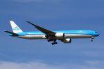 hiroki_h2さんが、スワンナプーム国際空港で撮影したKLMオランダ航空 777-306/ERの航空フォト(写真)