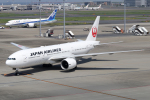 chrisshoさんが、羽田空港で撮影した日本航空 777-246/ERの航空フォト(写真)