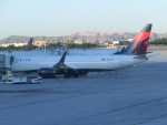 ヒロリンさんが、マッカラン国際空港で撮影したデルタ航空 737-932/ERの航空フォト(写真)