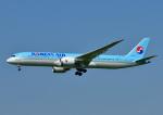 じーく。さんが、福岡空港で撮影した大韓航空 787-9の航空フォト(写真)