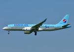 じーく。さんが、福岡空港で撮影した大韓航空 BD-500-1A11 CSeries CS300の航空フォト(飛行機 写真・画像)