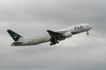 空旅さんが、成田国際空港で撮影したパキスタン国際航空 777-240/ERの航空フォト(写真)