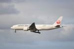 KAZFLYERさんが、成田国際空港で撮影した日本航空 777-246/ERの航空フォト(写真)