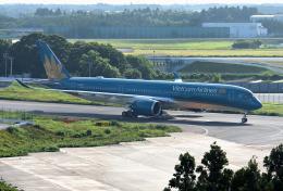 mojioさんが、成田国際空港で撮影したベトナム航空 A350-941XWBの航空フォト(写真)