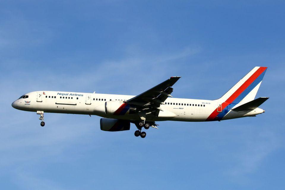 hiroki_h2さんのネパール航空 Boeing 757-200 (9N-ACB) 航空フォト