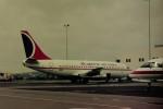 ヒロリンさんが、リンデン・ピンドリング国際空港で撮影したカーニバル・エアラインズ 737-212の航空フォト(写真)