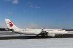 ATOMさんが、新千歳空港で撮影した中国東方航空 A330-343Xの航空フォト(飛行機 写真・画像)