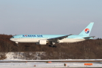 ATOMさんが、新千歳空港で撮影した大韓航空 777-2B5/ERの航空フォト(写真)