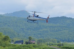 はれ747さんが、当麻滑空場で撮影した北海道航空 AS350B2 Ecureuilの航空フォト(飛行機 写真・画像)