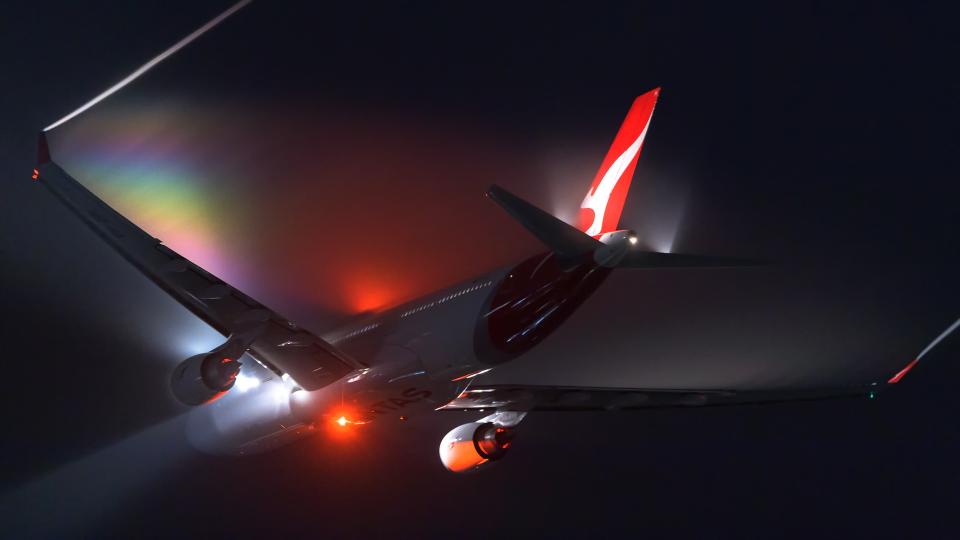 Foxfireさんのカンタス航空 Airbus A330-300 (不明) 航空フォト