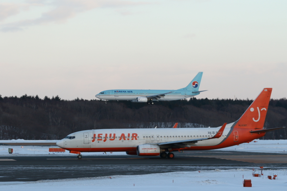 ATOMさんのチェジュ航空 Boeing 737-800 (HL8287) 航空フォト