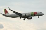 採れたてほしいもさんが、ロンドン・ヒースロー空港で撮影したTAPポルトガル航空 A321-251Nの航空フォト(写真)