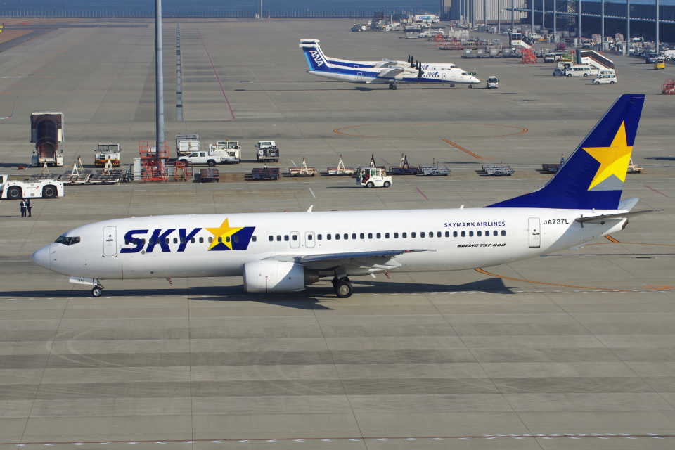 yabyanさんのスカイマーク Boeing 737-800 (JA737L) 航空フォト