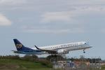 344さんが、成田国際空港で撮影したマンダリン航空 ERJ-190-100 IGW (ERJ-190AR)の航空フォト(写真)