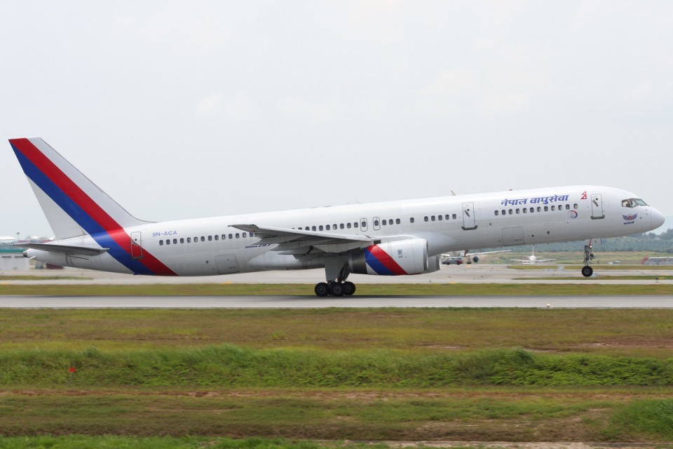 Hariboさんのネパール航空 Boeing 757-200 (9N-ACA) 航空フォト