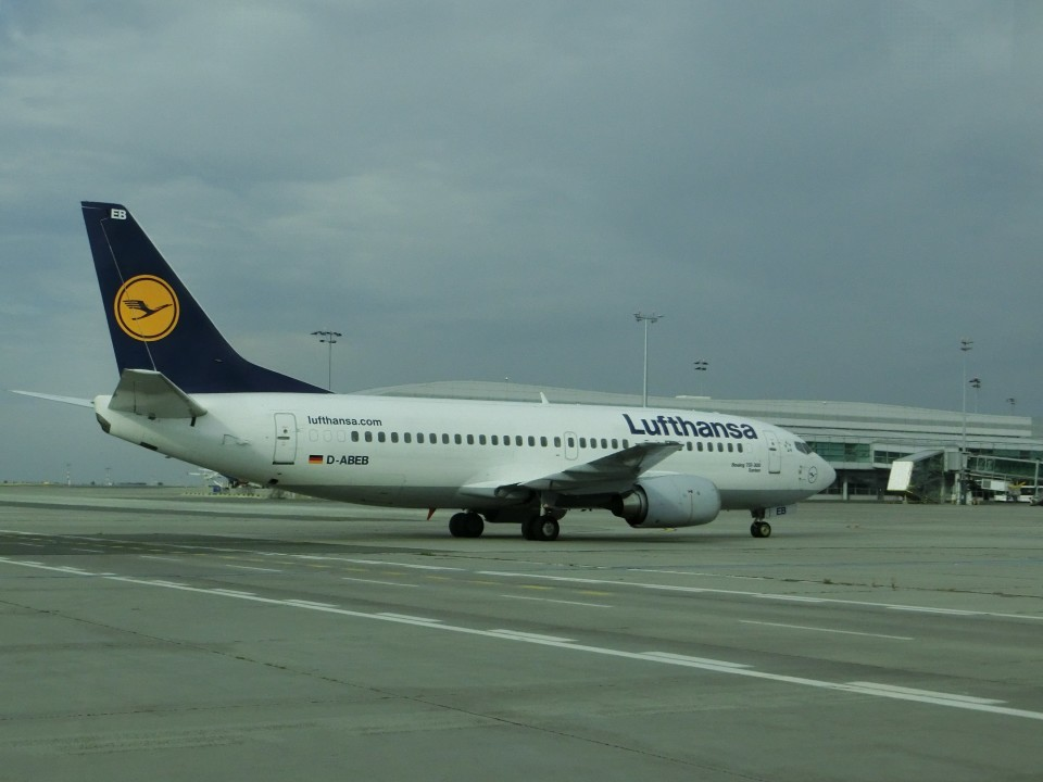 ヒロリンさんのルフトハンザドイツ航空 Boeing 737-300 (D-ABEB) 航空フォト