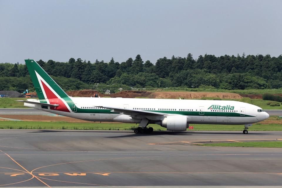 T.Sazenさんのアリタリア航空 Boeing 777-200 (EI-ISE) 航空フォト