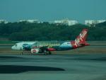 kiyohsさんが、シンガポール・チャンギ国際空港で撮影したエアアジア A320-216の航空フォト(飛行機 写真・画像)