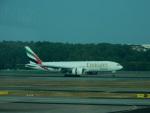 kiyohsさんが、シンガポール・チャンギ国際空港で撮影したエミレーツ航空 777-F1Hの航空フォト(飛行機 写真・画像)