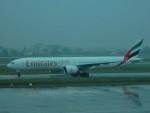 kiyohsさんが、ノイバイ国際空港で撮影したエミレーツ航空 777-31H/ERの航空フォト(飛行機 写真・画像)