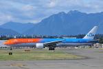 Nori77さんが、バンクーバー国際空港で撮影したKLMオランダ航空 777-306/ERの航空フォト(飛行機 写真・画像)