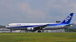 オキシドールさんが、広島空港で撮影した全日空 767-381/ERの航空フォト(写真)