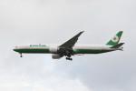 kuro2059さんが、台湾桃園国際空港で撮影したエバー航空 777-35E/ERの航空フォト(飛行機 写真・画像)