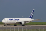 imosaさんが、羽田空港で撮影した全日空 767-381Fの航空フォト(写真)